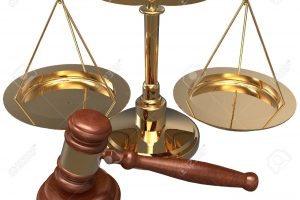 la-escala-y-el-martillo-como-símbolos-de-la-oficina-de-abogados-del-abogado-del-abogado